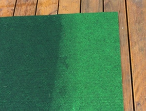 Ein nasser Outdoor-Teppich